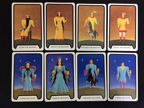 (コートカード ワンド・カップ)の右からペイジ・ナイト・クイーン・キング